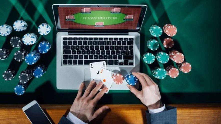 is it safe playing online casinos
